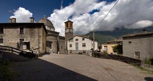 Una piazza ai piedi della Val Fabiolo