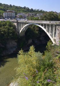 Un Ponte nelle Alpi