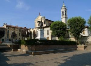Una tipica piazza di paese