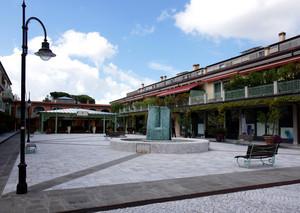 Corte Lotti una piazza moderna