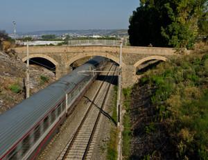Ponte sulla ferrovia 1