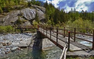 Un ponte sul Mallero a Carotte
