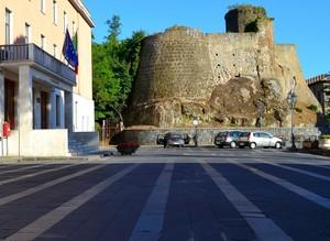 """"""" Poteri  in piazza """" – Piazza Don Pezzoli – Mignano Monte Lungo ( Caserta )"""