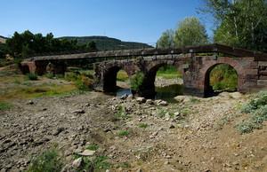 Il ponte Romano è durato 2000 anni, la passarella 10 anni non è agibile