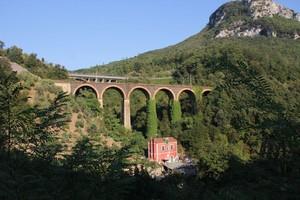 Il vecchio ponte ferroviario