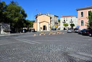 """ Colori d' Estate "" – Piazza G. Veneziale – Longano ( Isernia )"