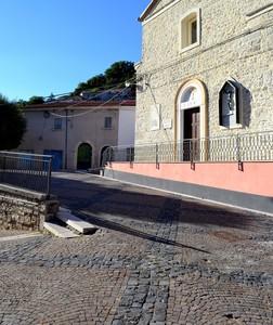 """"""" Qui, a proteggervi dal 1594 """" – Piazza G. Marconi – Castelpizzuto ( Isernia )"""