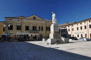 Piazza Cornelio