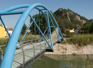 Il ponte azzurro e la Rocca