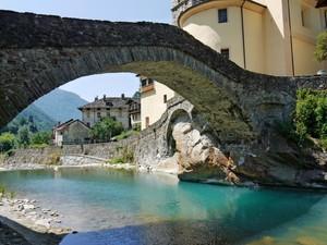 Passeggiando sotto il ponte…..