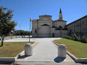 La piazza del Santuario a Scaldaferro