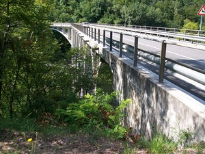 Ponte Maraldi dall'altra sponda  ** Meduno (PN)