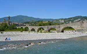 Abbronzarsi al Ponte Gobbo