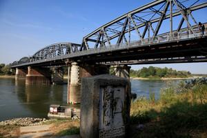 ponte con cippo