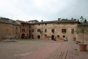 Piazza Sant'Agostino Vista dalla Chiesa