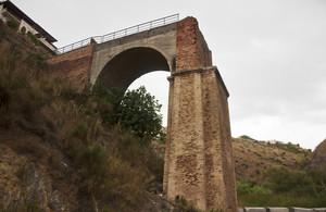 il ponte interrotto