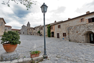 Piazza di Titignano