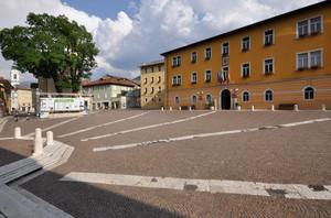 i raggi in piazza Alcide De Gasperi