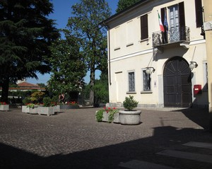 Piazza Gaetano Negri