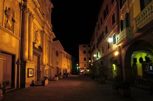 Piazza Duomo-Silenzio nella notte