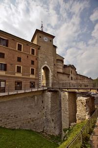 Ponte Ingresso Borgo Cerreto D'Esi