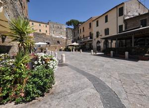 Piazza Francesco Petruccioli