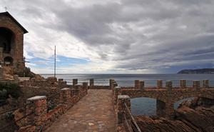 Ponte verso la Cappelletta del Caduti del mare