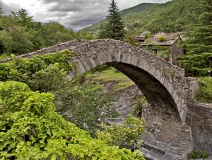 Aria di burrasca sul ponte del Molino del Longo
