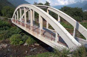 Un ponte alle porte di Fusine