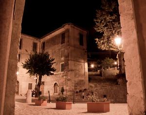 notte afosa a piazza Garibaldi