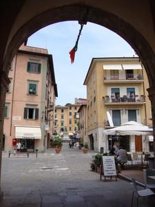 Dietro il porto, una granita in piazza Cavour