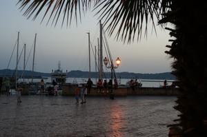 Una terrazza sul porto