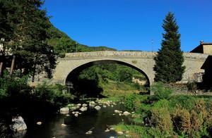 Trësunghë, il ponte di pietra