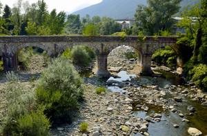 Ponte vecchio sullo Strona