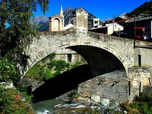 Ponte sul torrente Frodolfo