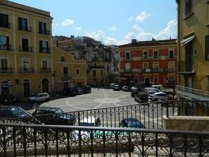"""Piazza del Popolo """"troppe auto per una piccola piazza"""""""