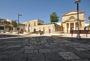 Piazza San Vincenzo mentre tutti fanno la penichella