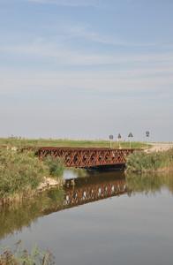 Il ponte in mezzo al nulla