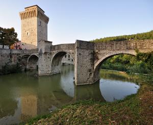 un ponte con sentinella a Fermignano