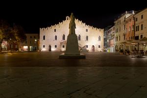 Piazza della Repubblica di notte