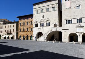 In piazza a Todi