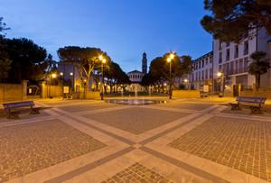 Piazza XX Settembre in blu