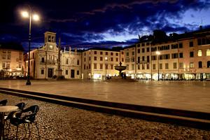 Serata in piazza