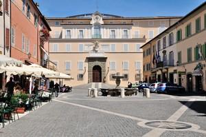 Castel Gandolfo : Piazza della Libertà