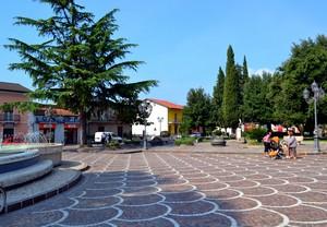""""""" Passeggini ! """"– Piazza della Liberazione – Alife  (Caserta)"""