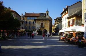 … la piazza intitolata all'Ing. Mario Motta … morto in nome della libertà …