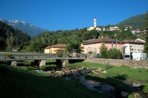 Ponte sul torrente màndola