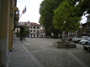 Almese, piazza del municipio