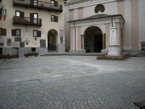 Valtournenche, Piazza della Chiesa