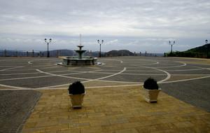 Piazzale davanti alla chiesa nuova